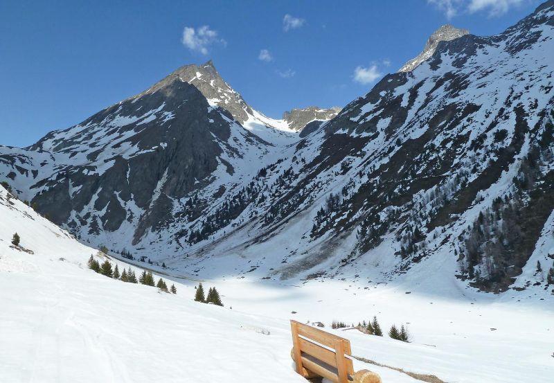 Partie pointe est couloir sud ouest ski for Moquette route voiture
